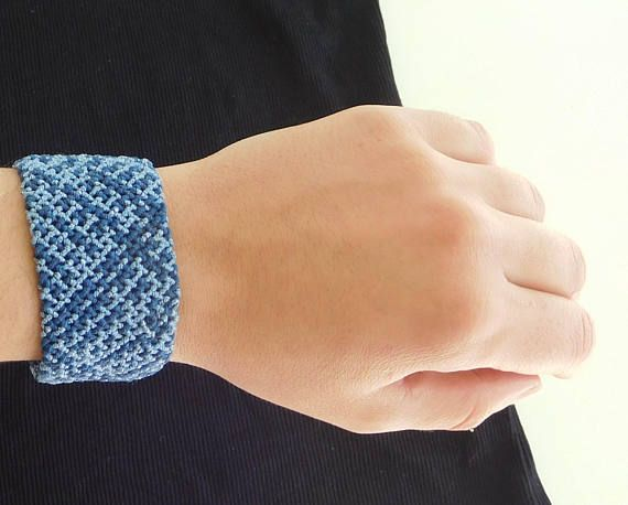 Macrame cuff bracelet. Christmas / Christmas gift / Christmas