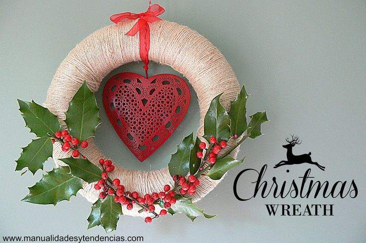 Corona navideña de acebo / Holly #wreath www.manualidadesytendencias.com #Christmas #Navidad #corona #Christmascrafts #Christmasdecorations #decoraciónnavideña