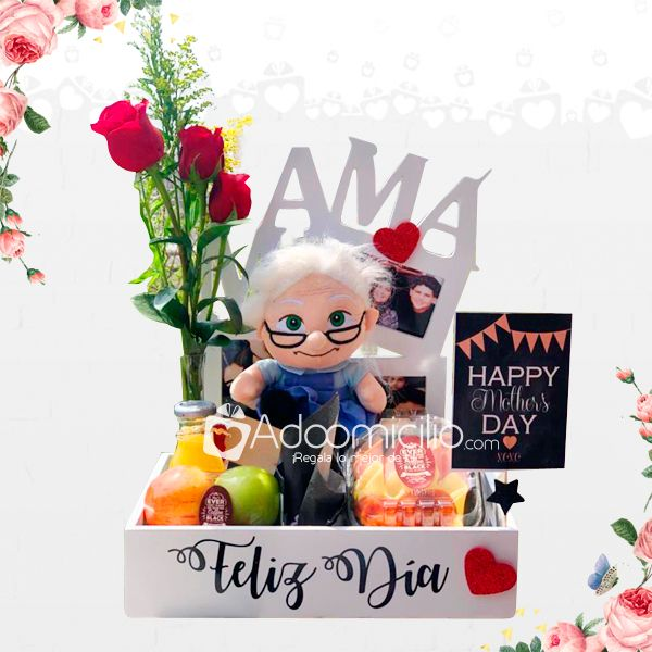 Diy Gifts For Him, Cute Gifts, Candy Bouquet, Ideas Para Fiestas, Diy Arts And Crafts, Special Gifts, Birthday Gifts, Lettering, Christmas Ornaments