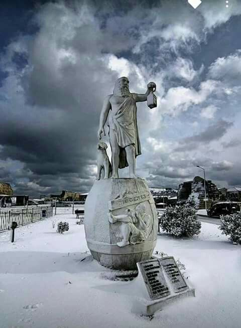 Diogenes of Sinop Statue - Sinop ⚓ Blacksea Region of Turkey #karadeniz #doğukaradeniz #sinop