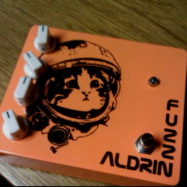 M2 Fuzz Aldrin - This fuzz pedal is designed and built by my former Audio Production proff. who will soon be moving to Georgia. He's a real tone-nazi and this pedal sounds AMAZING!