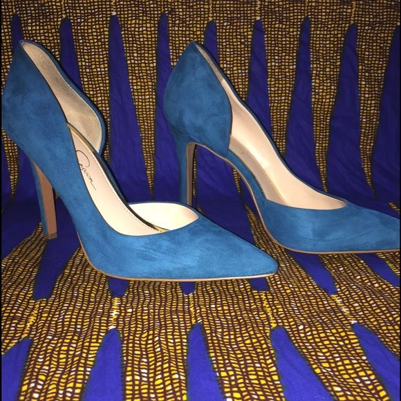 ✨Jessica Simpson Claudette Pump✨ These beauties were purchased early last summer. They are a classic pump with a unique shape. Sadly my feet have gotten too fat for them, I had only worn them about 3 times. EUC heel height: 4in. Jessica Simpson Shoes Heels