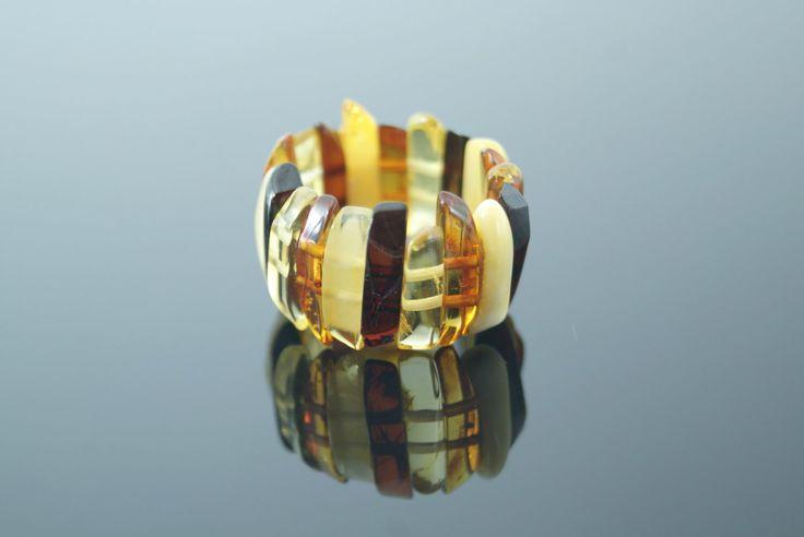 Un favorito personal de mi tienda Etsy https://www.etsy.com/es/listing/241561223/anillo-de-ambar-baltico-elastico-cuatro