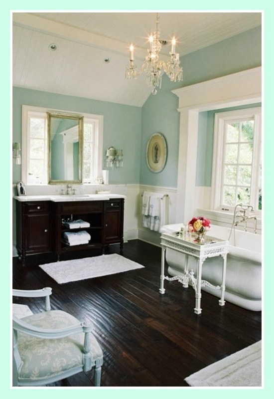 Tiffany blue bathroom. Love this, but the husband would never go for it.