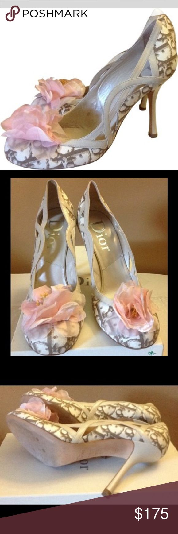 Sexy Dior flower Pumps sale 3 days only was $175 Excellent condition. Dior flower pumps Dior Shoes Heels