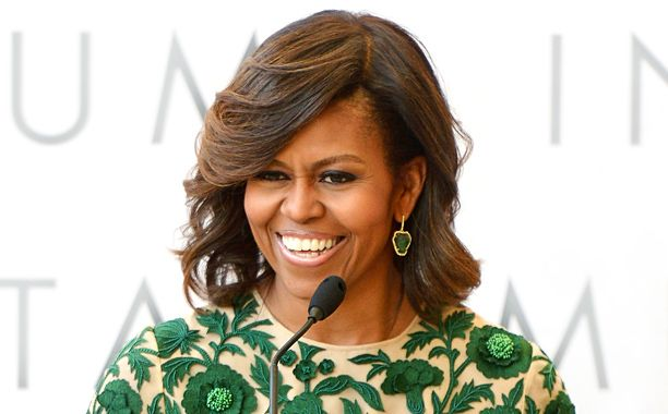 Stephen Colbert has been welcoming a variety of guests so far: presidential hopefuls (Jeb Bush), enigmatic businesspeople (Elon Musk), A-list actors (George Clooney), charismatic comedians (Amy Schumer), and so on. But swinging by the Ed Sullivan theater later this monthwill be the one and only FLOTUS herself:Michelle Obama.
