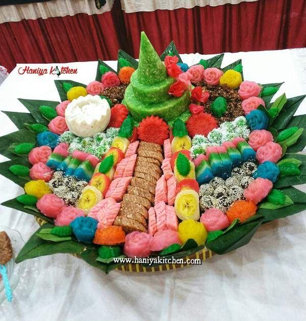 Menghias Aneka Jajan Pasar Dari Bahan Singkong Di Tampah Kue Cantik Hiasan Kue