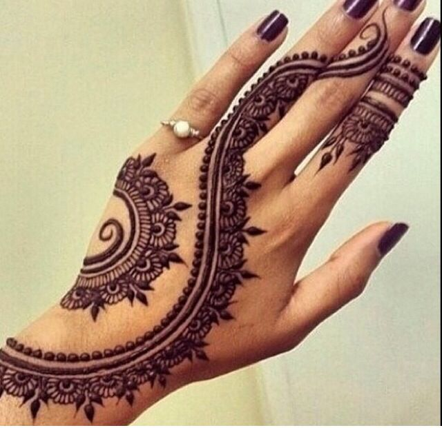 This may be a henna but it would make such a great tattoo