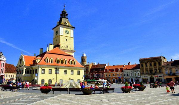 Cazare Brasov oferte de cazare la cele mai mici preturi cu contact direct de la proprietarul unitatii de cazare din Brasov care va ofera cazare la hotel - pensiune - cabana si vile pentru o vacanta reusita in localitatea Brasov din judetul Brasov si regiunea Transilvania - Romania. Obiective turistice Brasov.