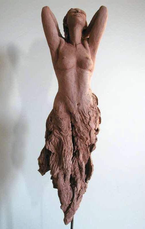 Pink - woman - sculpture - Pauline Wateau - figurative