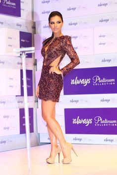Paloma Bernardes, Marina Ruy Barbosa,  Fiorella Matheis, Alessandra Ambrosio, Mariana Rios na festa do ALWAYS PLATINUM COLLECTION