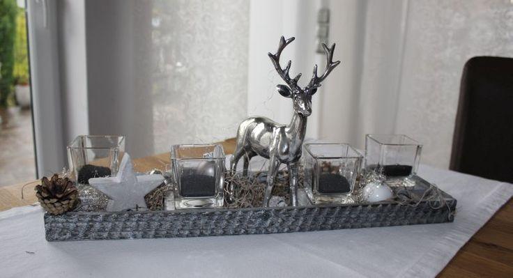 AW89 – Holztablett als Adventsdekoration, dekoriert mit einem Betonstern, natürlichen Materialien, Teelichtgläsern und einem Hirsch! Erhältlich auch in weiß! Größe ca 15x50cm Preis 39,90€