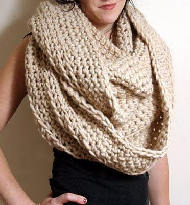 this scarf looks cozyyyy <3 love