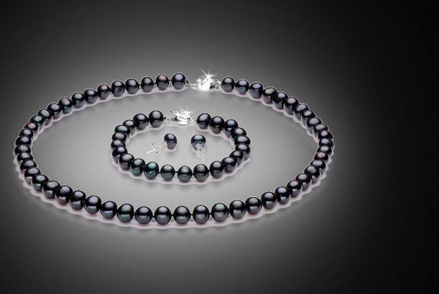 Black Pearl Tri Set