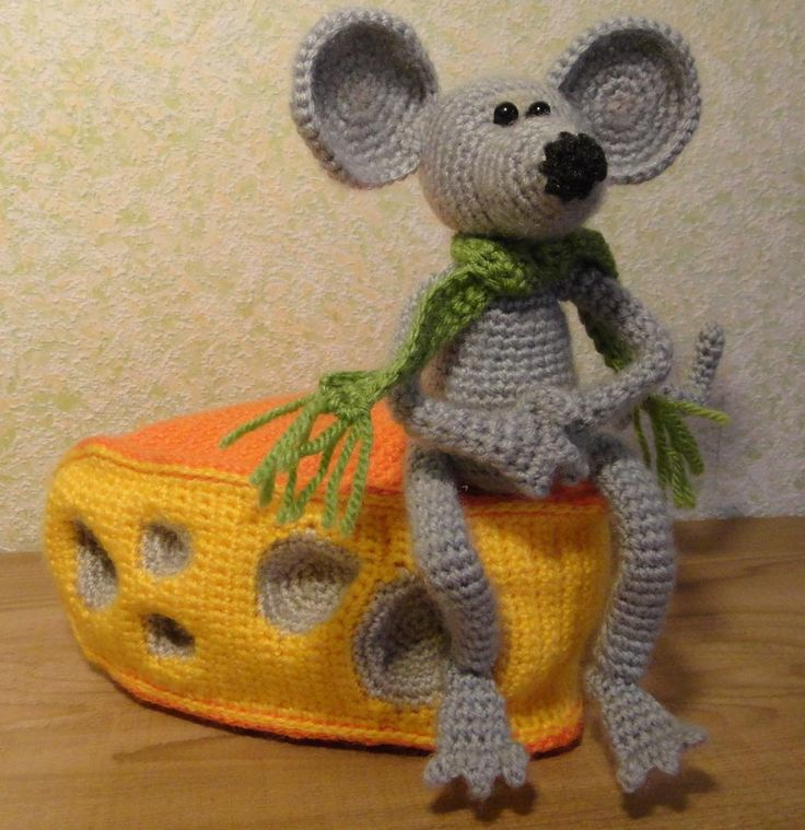Mouse and Cheese soft toy Hand crochet Stuffed Animals door Tjan