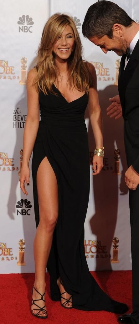 2010 Golden Globe Awards: Valentino one-shoulder black dress and Versace strappy black sandals