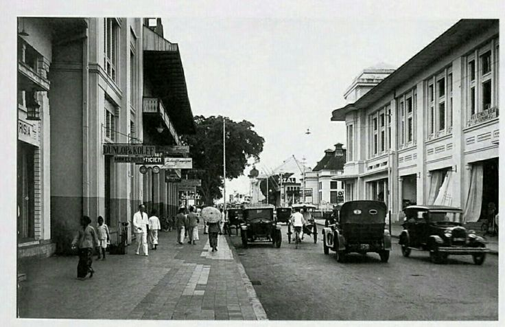 De Groote Postweg te Bandoeng 1946.