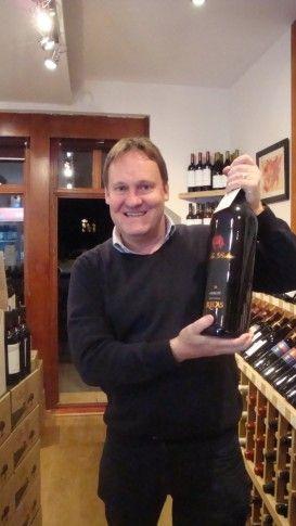 """Richard Fox inaugureaza cursurile de vin """"Behind The Label"""""""