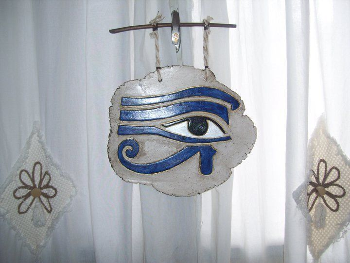 El ojo de Horuz , placa en pasta piedra