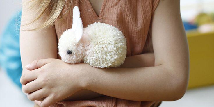 Créer un lapin tout doux avec des pompons