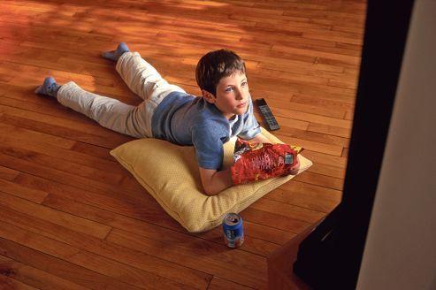 Prédire l'obésité infantile par le temps passé devant la télé | LeFigaro.fr - Santé