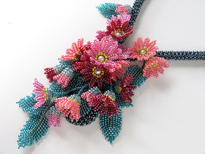 All beautiful accessories created with seed beads ! I'd wish to have time and love to learn how to make them