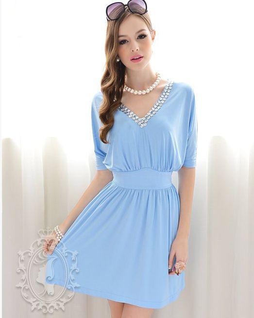Vestido Azul Cielo manga al codo cuello V adornado