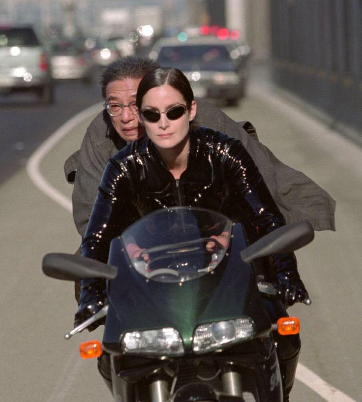 """Carrie-Anne Moss y Randall Duk Kim en """"Matrix Reloaded"""" (The Matrix Reloaded), 2003"""