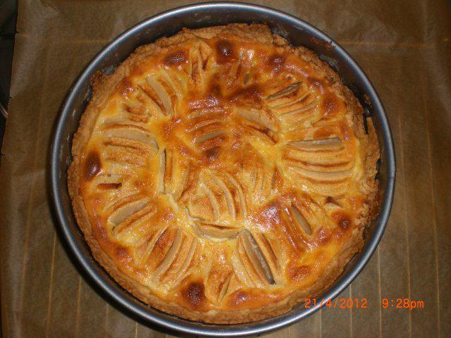 Das perfekte Elsässer Apfelkuchen-Rezept mit Bild und einfacher Schritt-für-Schritt-Anleitung: 1. Für den Teig das Mehl auf der Arbeitsfläche mit allen…