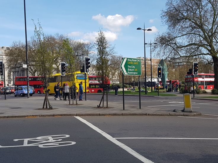 Traffic island where Tyburn Tree plaque is