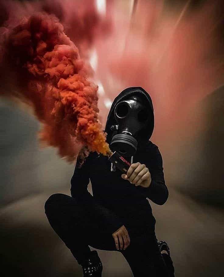 фото в противогазе с дымом высокий порог
