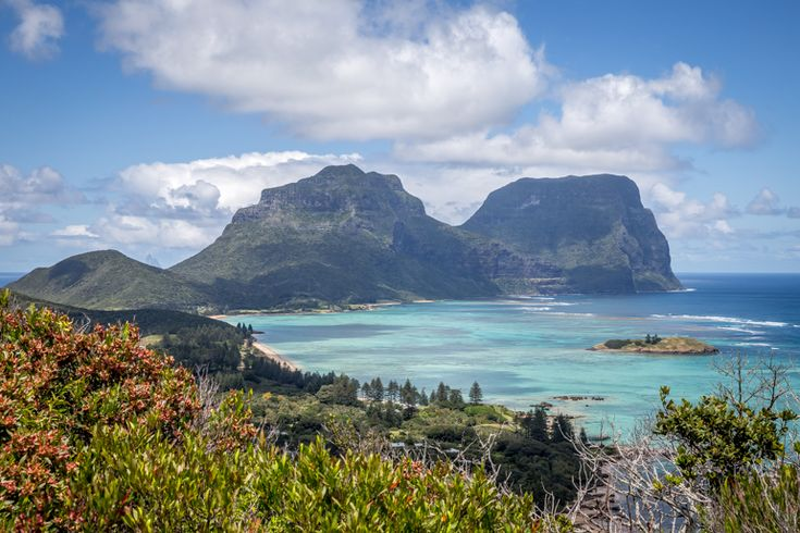 Checking out Mt Lidgbird and Mt Gower from somewhere on the ridge between Kims and Malabar | Lord Howe Island