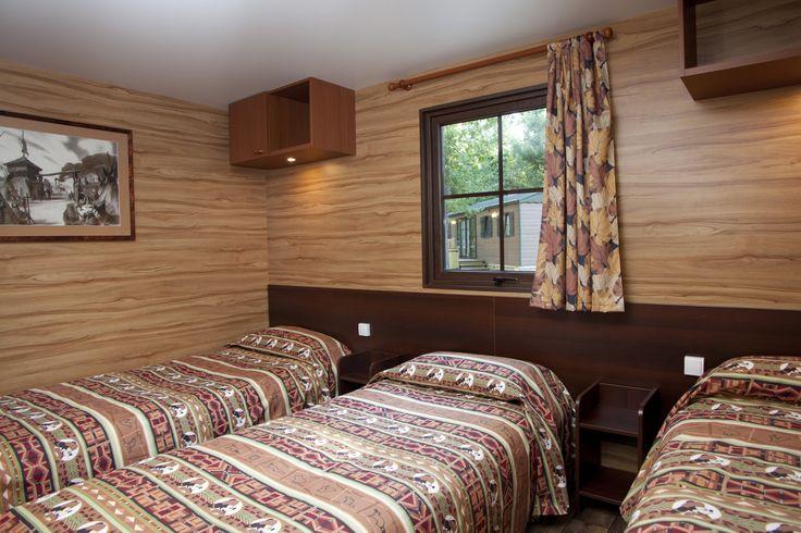 Disney Hotels, Davy Crockett Ranch - Bungalow Bedroom, Disneyland Paris