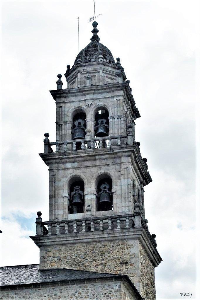 Torre de la Basílica de la Encina (Ponferrada León)