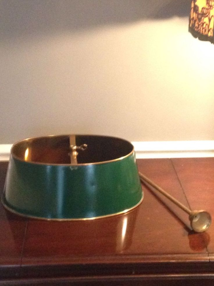 tole bouillotte lamp shade oval brass forest green parts bintage. Black Bedroom Furniture Sets. Home Design Ideas