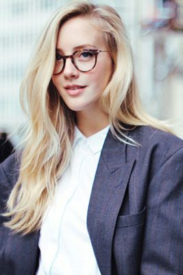 The Perfect Makeup to Wear with Glasses, from Eyeliner to Lipstick and Everything in Between