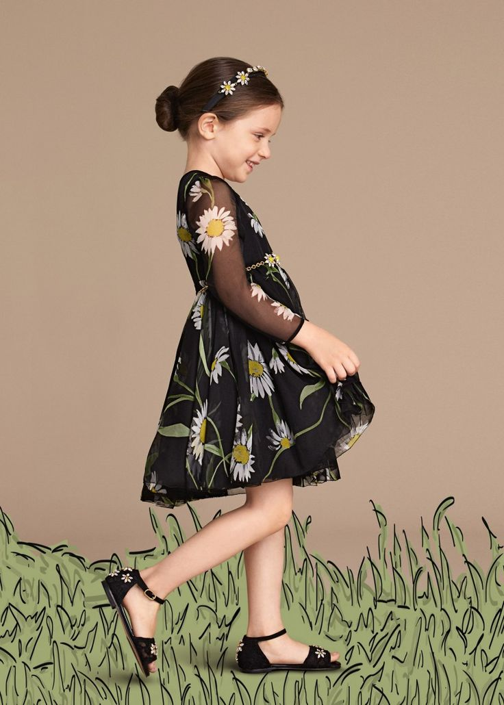 Discover the new Dolce & Gabbana Children Girl Collection for Summer 2016 and get inspired.