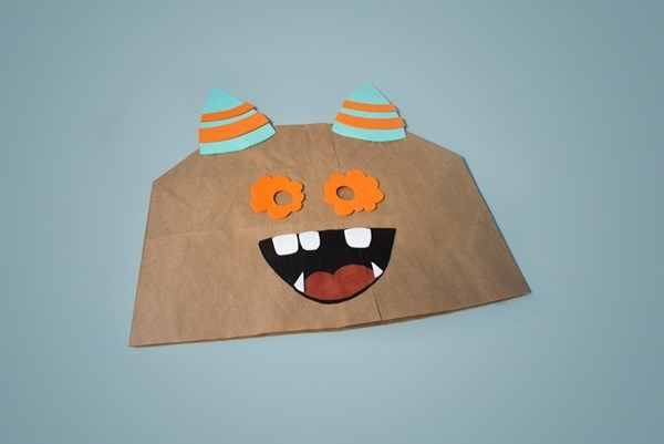 Gruselige Halloween-Maske aus Papiertüte basteln » NINO – für kreative Kids