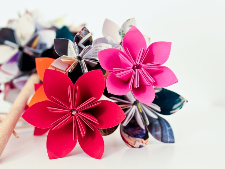 Bright and beautiful origami flowers. #EtsyFrance