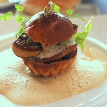 Brioche farcie au foie gras http://www.recettes.net/entrees/brioches-farcies-au-foie-gras,,614.html #Recette #Brioche #Pâques