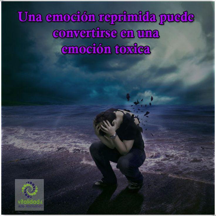 ¿En qué momento se puede convertir una emoción en una emoción toxica? Cualquier emoción reprimida o guardada, sea positiva o negativa es susceptible a convertirse en una emoción toxica.  #VitalidadEmocional
