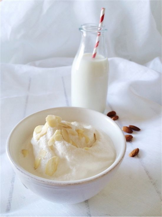 Gelato al latte di mandorla (senza gelatiera) | La Melagranata