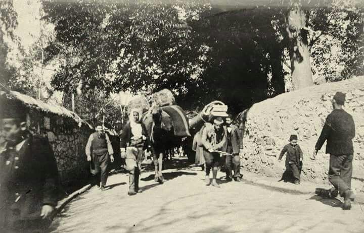 Izmir sokaklardan birisi, yıl: 1902..