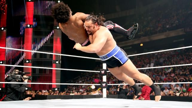 Xavier Woods vs. Alexander Rusev: photos | WWE.com