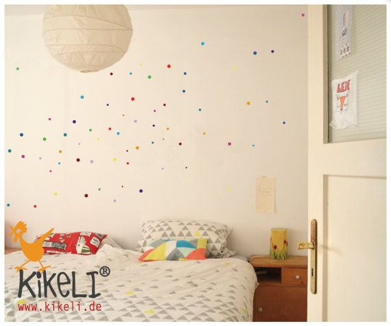 Konfetti macht das Leben und deine Wände, Schränke, Fliesen,...einfach und schnell bunter. Kleine Punkte mit großer Wirkung!!! kleinster Punkt: 13mm; größter Punkt: 21mm 66 Punkte in 6 unterschiedlichen Größen und 11 verschiedenen Farben (violett, hellrotorange, enzian, shellgelb, hellblau, türkisblau, hellrot, flieder, pink, lindgrün und dunkelrot) Es sind alle Farben, wie auf dem Foto, in einer Packung. Für Wand, Fliesen, Fenster, Möbel,... Die verwendete Folie klebt auf nahezu jedem gl...