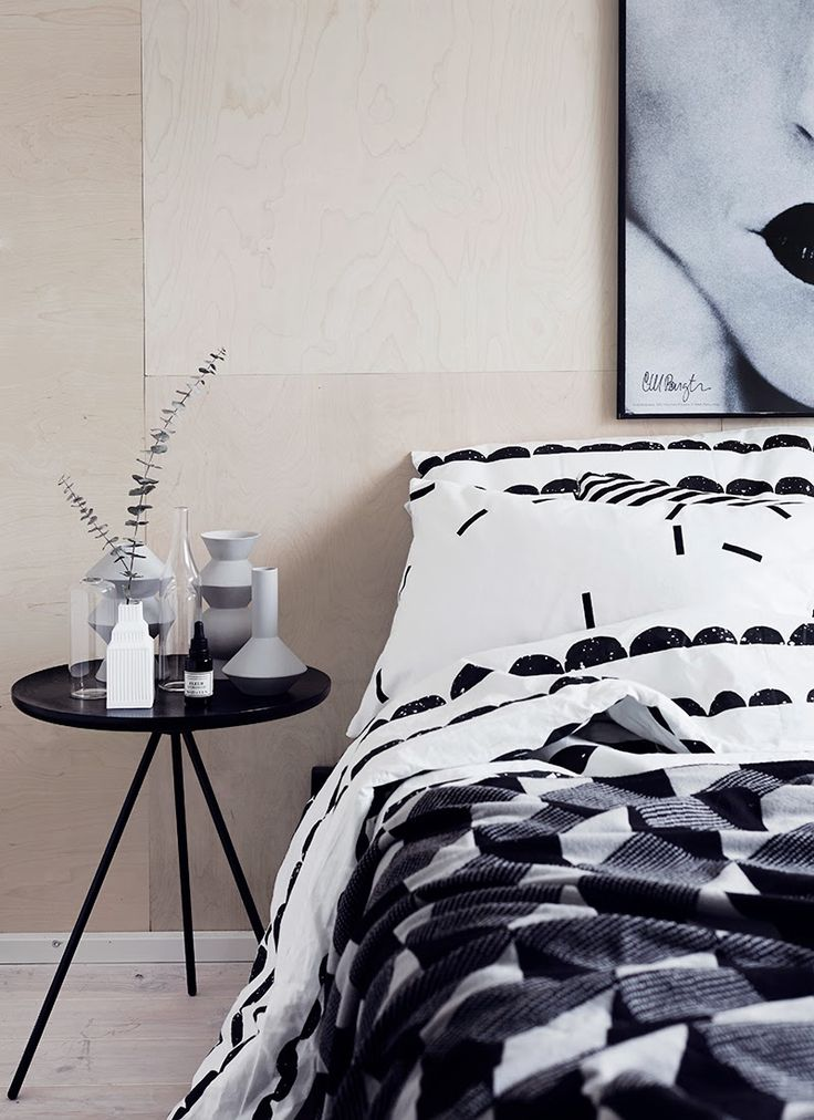 Black and white and grey and patterns in bedroom. Ferm living, Emmas Designblogg and Weekdaycarnival