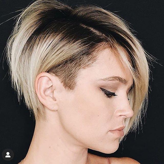 Pixi Bob Frisuren Sind Eine Schone Art Kurze Haare Zu Tragen Viele Beruhmtheiten Tragen Diesen Trend Inzwischen D In 2020 Bob Frisur Frisuren Kurz Blond Haarschnitt