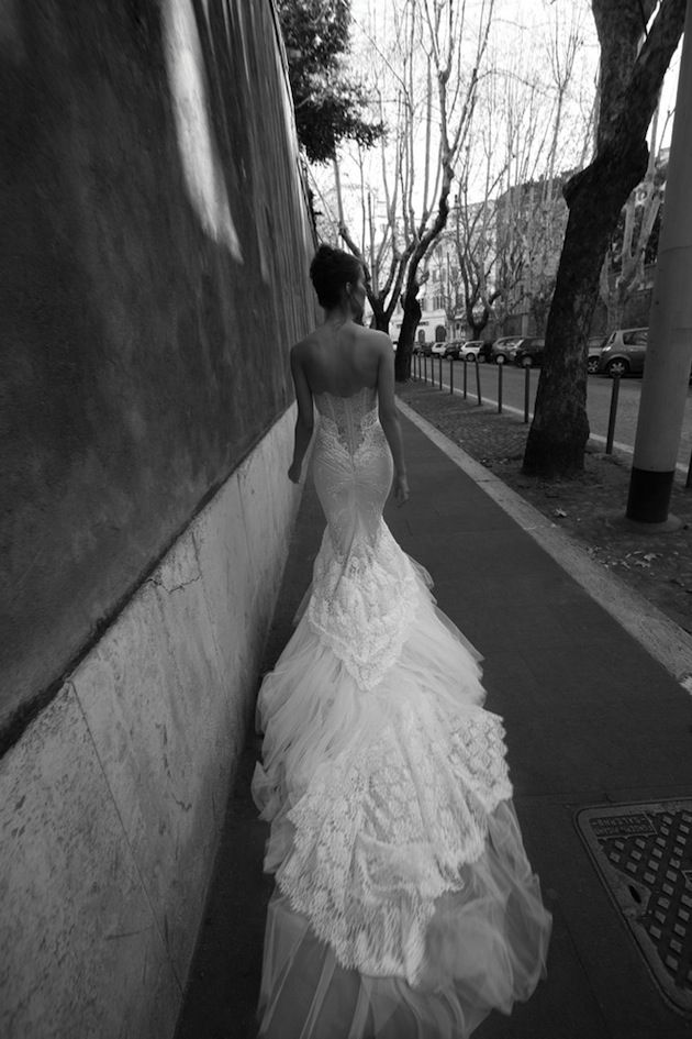 incredible ruffled lace & tulle train