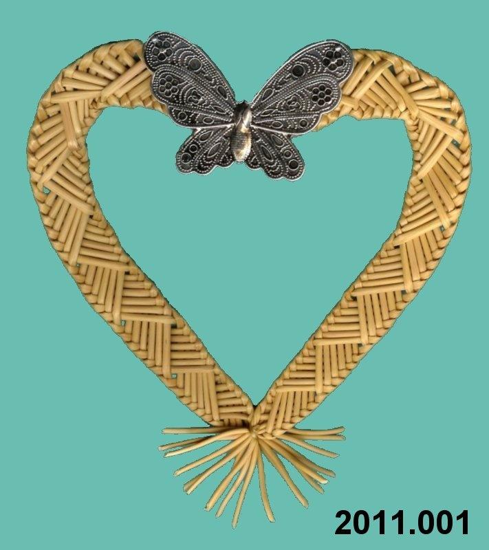 Wheat Weaving Heart