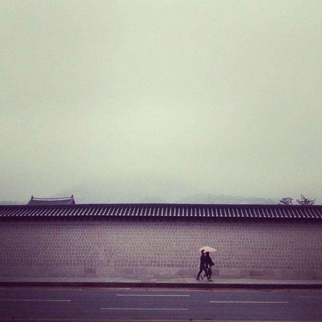 경복궁Gyeongbokgung(palace), Seoul, South Korea. via instagram @akaiving